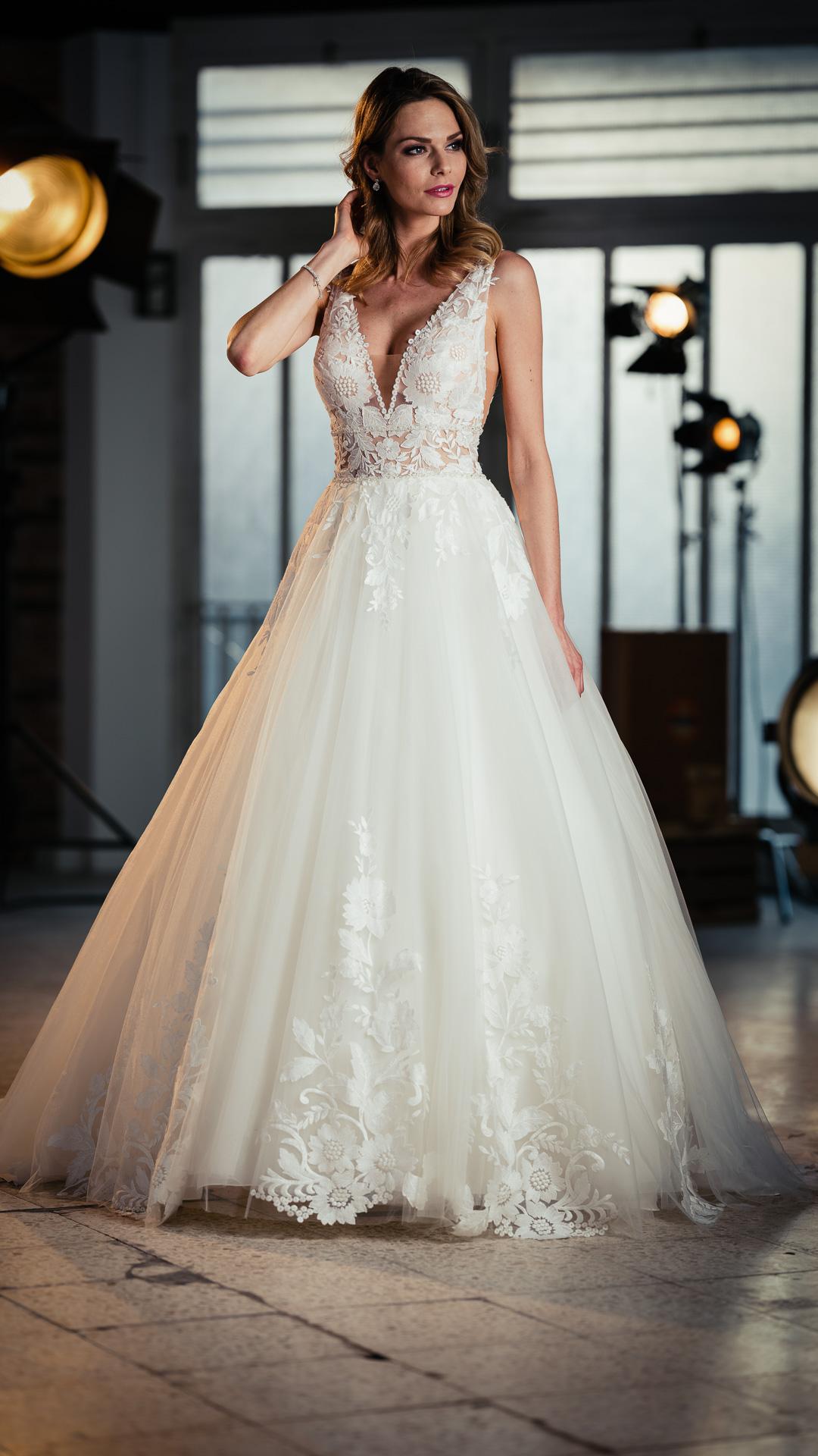 Kollektion 2021 Brautkleid 6472 von DMY