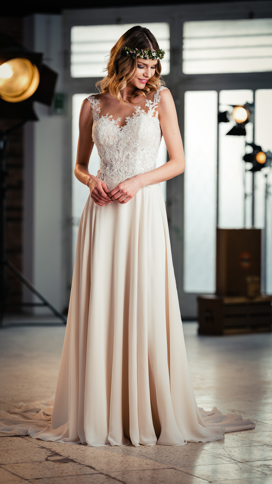 Kollektion 2021 Brautkleid 6715 von DMY