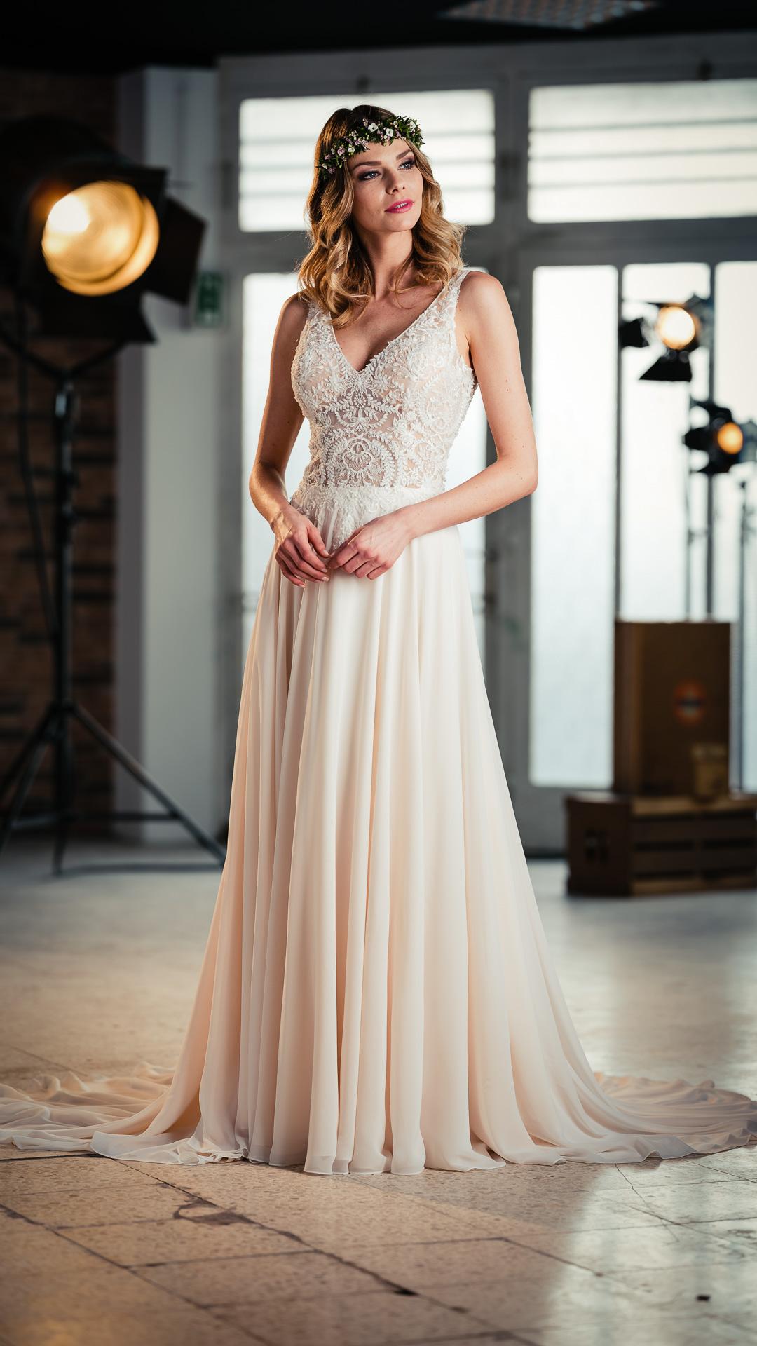 Kollektion 2021 Brautkleid 6499 von DMY