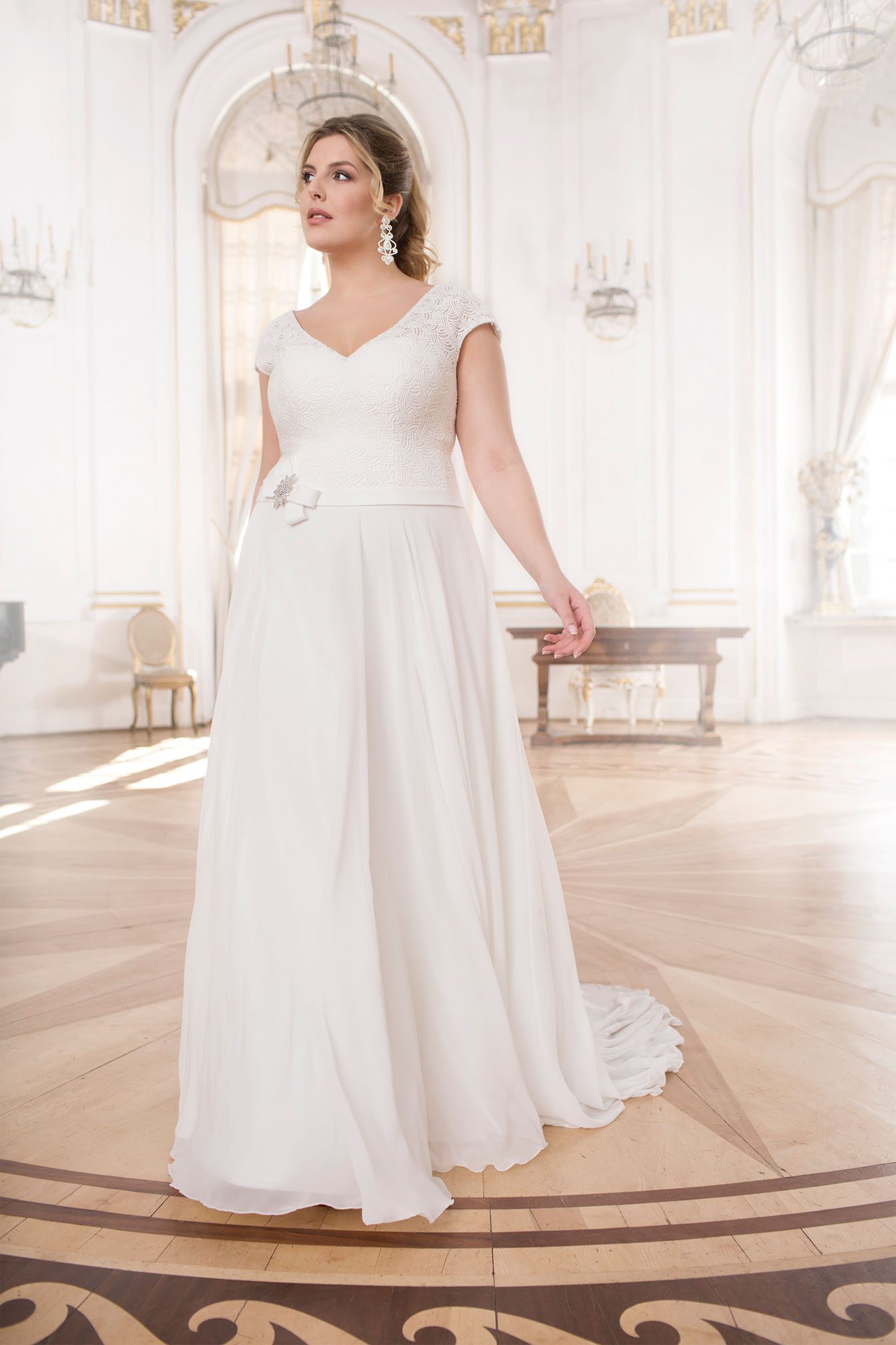 Lovely by Mode de Pol - Brautkleid lo-63t
