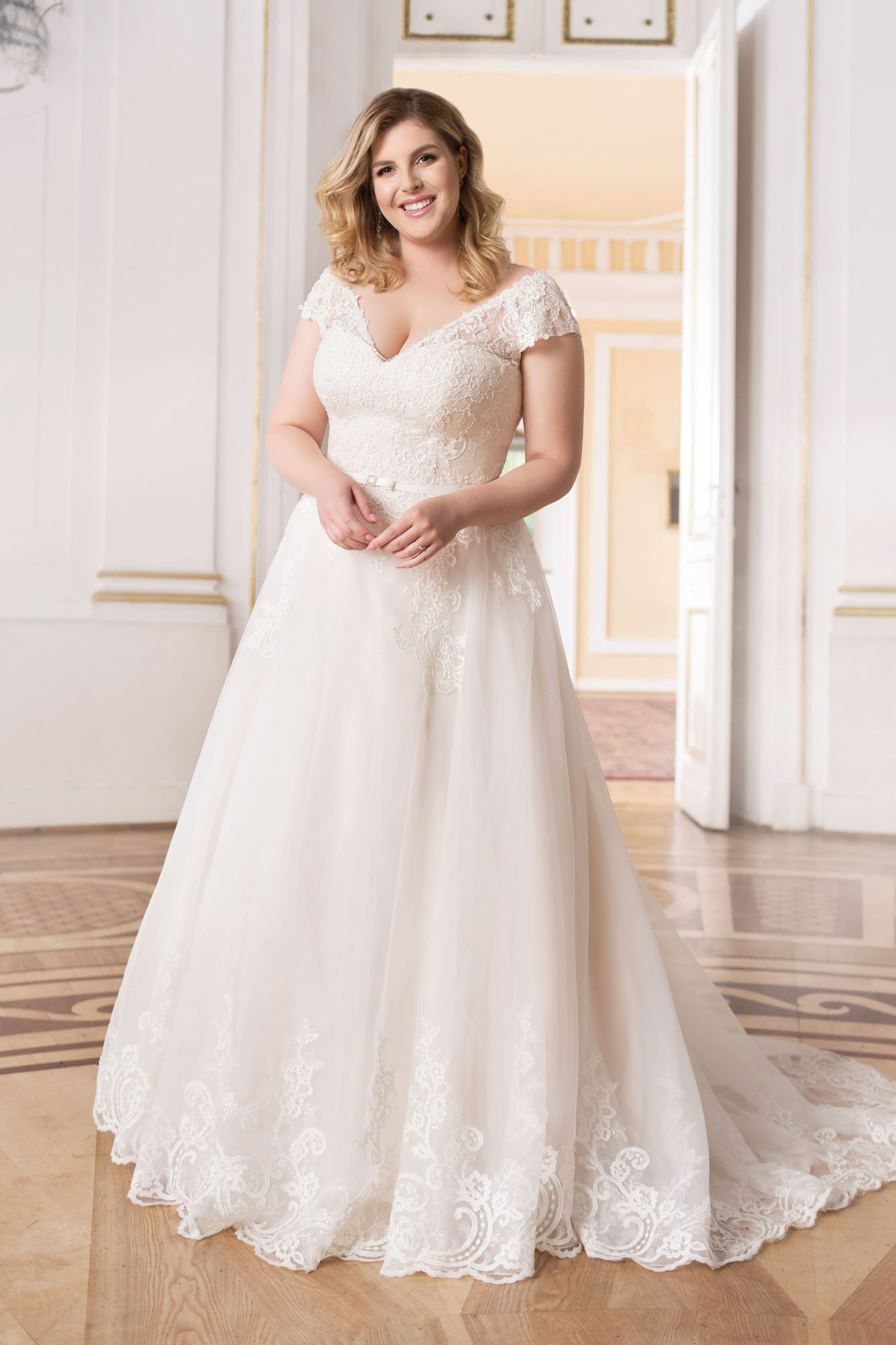 Lovely by Mode de Pol - Brautkleid lo-66t