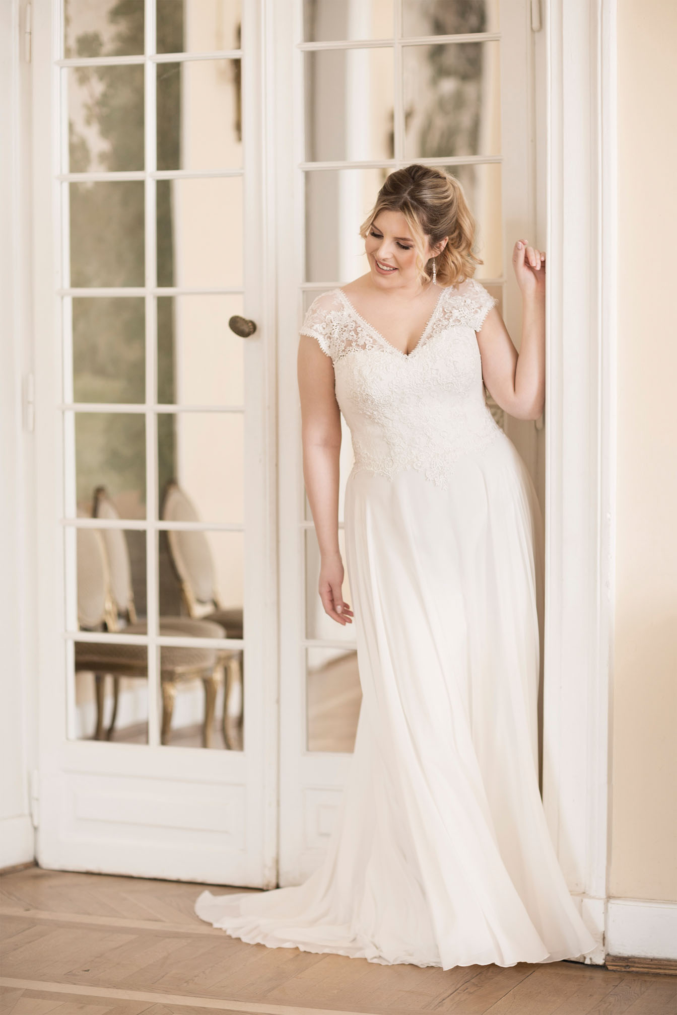 Lovely by Mode de Pol - Brautkleid lo-75t