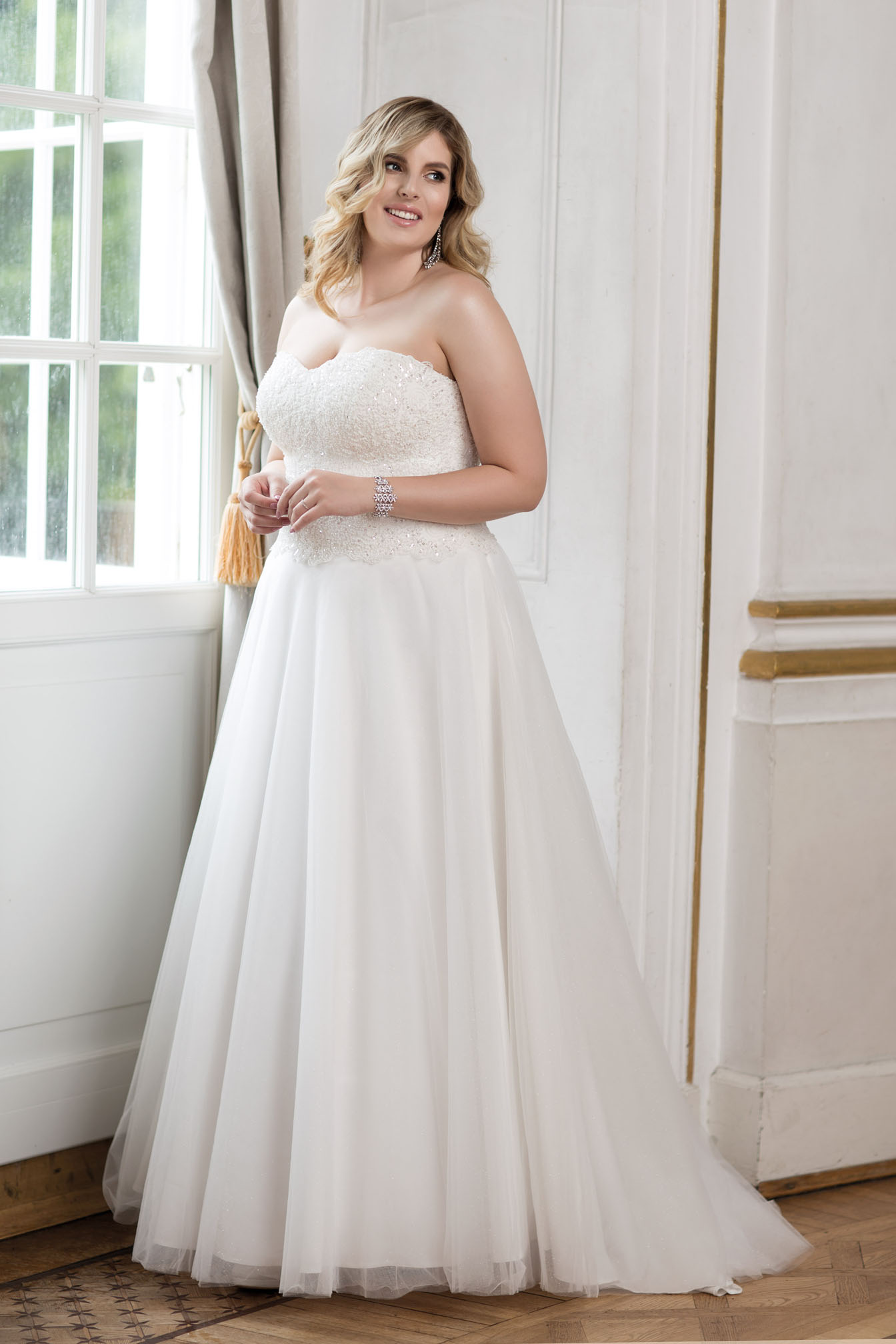 Lovely by Mode de Pol - Brautkleid lo-83t