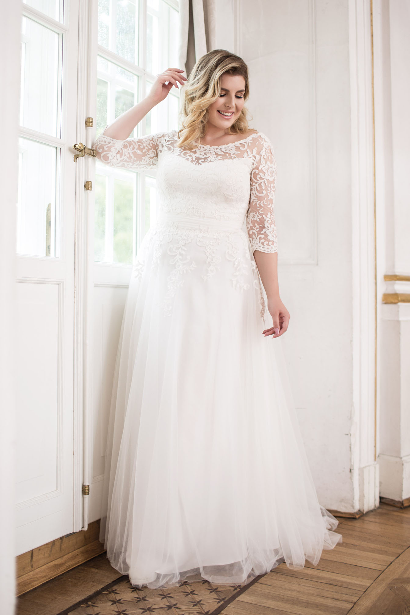 Lovely by Mode de Pol - Brautkleid lo-89t
