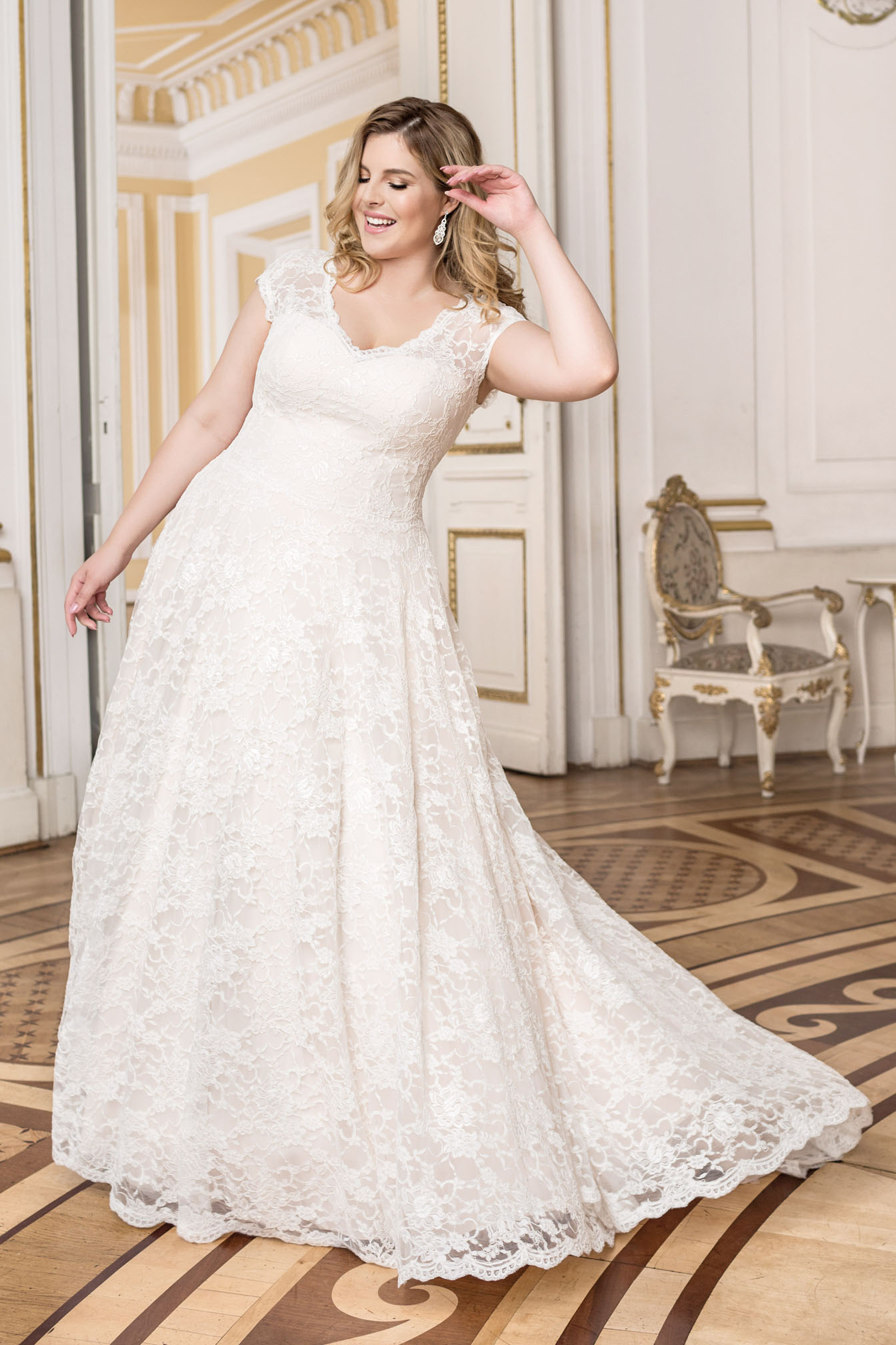 Lovely by Mode de Pol - Brautkleid lo-93t