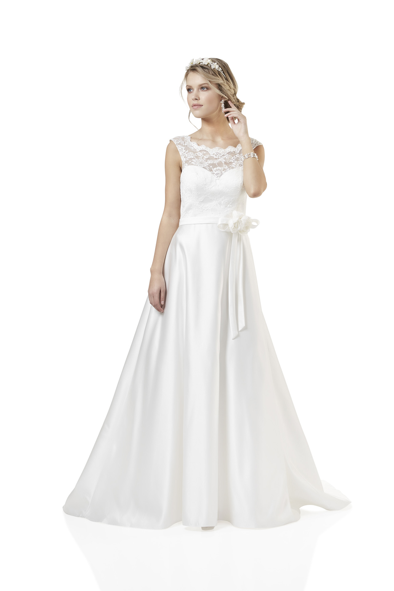 Brautkleid Weise Essentials Kollektion 2018 Modell 334332